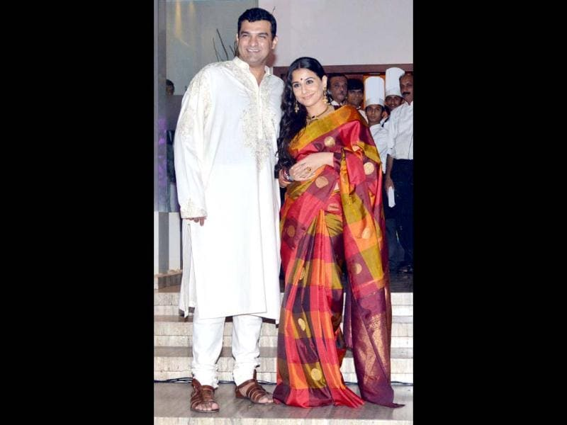 In a rare public appearance, Siddharth was seen in an traditional off-white kurta-churidaar and while Vidya Balan was seen in a bright and multi-coloured silk sari. The couple will tie the knot on December 14.