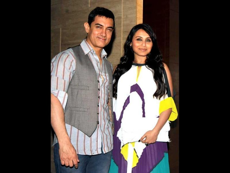 Aamir and Rani pose for the cameras at the Talaash success party.