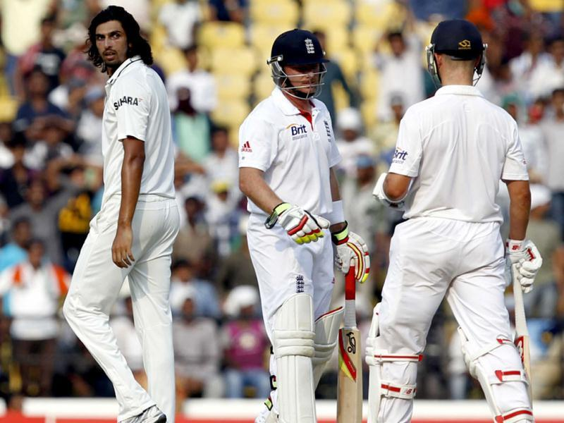 Ishant Sharma argues with England batsman Jonathan Trott after the umpire turned down their appeal for caught behind during the fourth day of the 4th Test match between India and England at VCA stadium in Nagpur. HT/Santosh Harhare