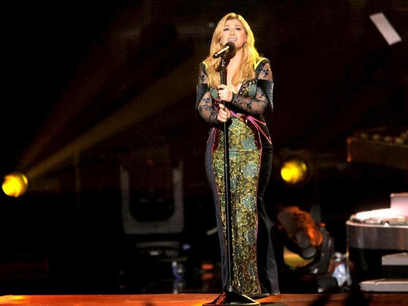 Kelly Clarkson perform at VH1 Divas at the Shrine Auditorium in Los Angeles. AP photo