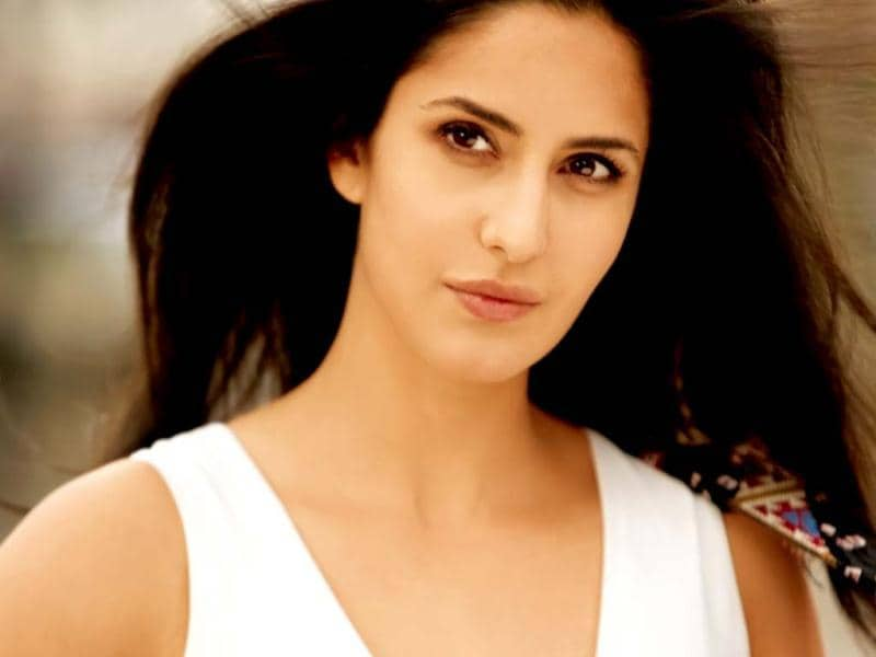 Katrina romanced the two Khans of our industry this year- arch rivals Salman Khan and Shah Rukh Khan. She reunited with ex-flame Salman in Ek Tha Tiger and the late Yash Chopra's last directorial venture saw her sharing screen space with SRK. With both these films, Katrina's acting graph is soaring high.