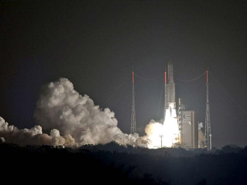 An Ariane 5 rocket carrying two satellites, Skynet 5D and Mexsat Bicentenario, blasts off from the European space centre of Kourou, French Guiana. AFP Photo