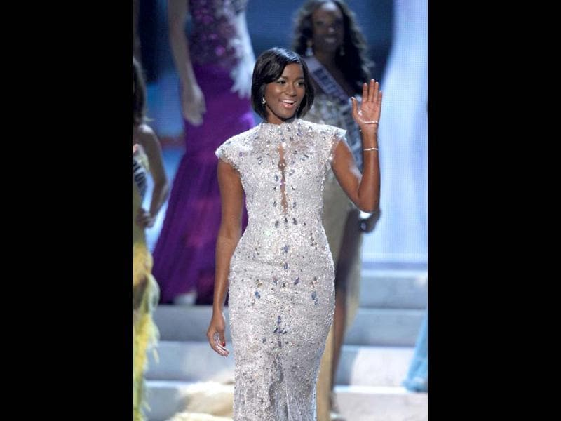 Miss Universe 2011 Leila Lopes of Angola arrives to crown her successor during the Miss Universe pageant. (Reuters Photo)