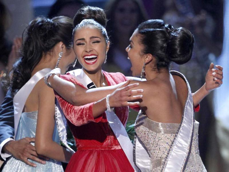 Miss USA Olivia Culpo is congratulated by Miss Teen USA 2012 Logan West, after being named Miss Universe. (Reuters Photo)