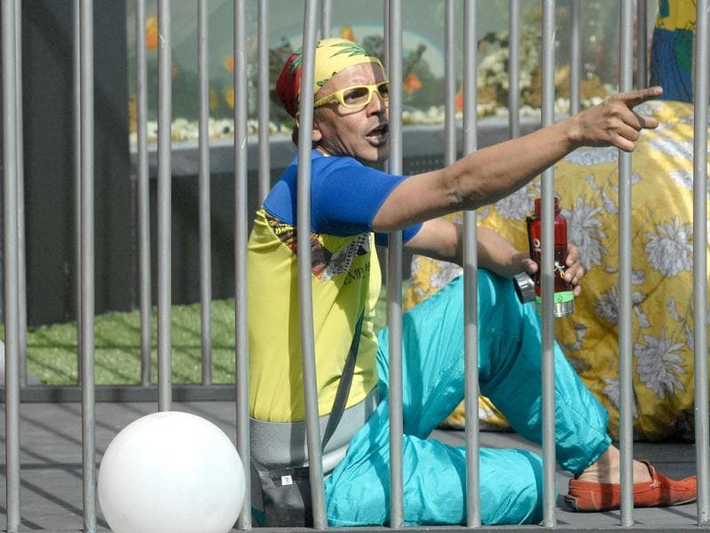 Imam was a chor (thief) during a Bigg Boss task called chor sipahi. He was put in jail for stealing money. Bigg Boss 6