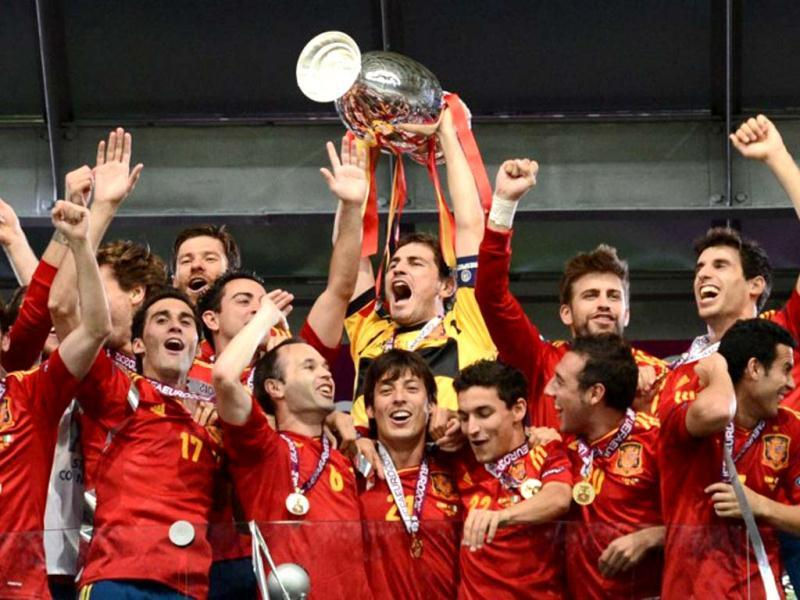 Spanish players celebrate after winning the Euro 2012 football championships final match Spain vs Italy on July 1, 2012 at the Olympic Stadium in Kiev. AFP Photo