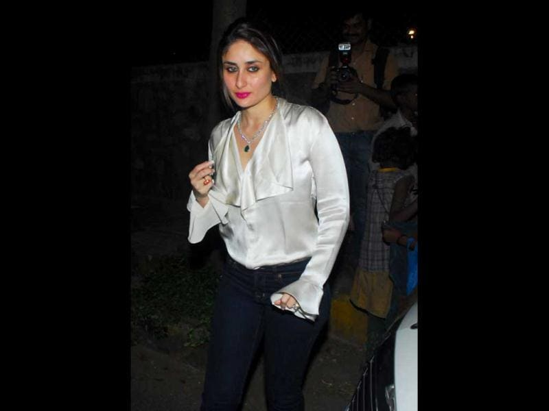 Kareena Kapoor was also seen getting into the festive spirit on Christmas eve.