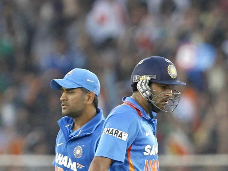 MS Dhoni and Yuvraj Singh in action during the second T20 cricket match between India and Pakistan in Ahmedabad. HT/Satish Bate