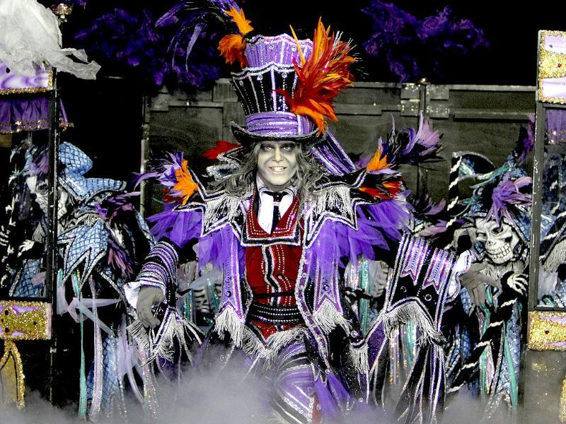 Fralinger String Band captain Thomas D'Amore performs during the 113th annual Mummers Parade in Philadelphia, on Tuesday Jan. 1, 2013. Photo: AP/Joseph Kaczmarek