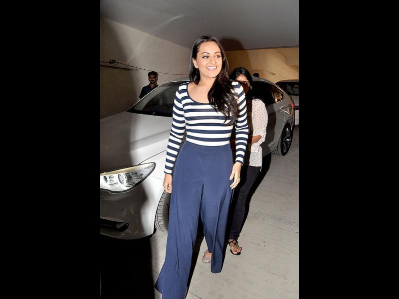 Sonakshi Sinha celebrated New Year a little differently. While other stars were busy partying or performing, Sonakshi Sinha was spotted at NGO Smile Foundation's Meet The Kids' event in Mumbai.