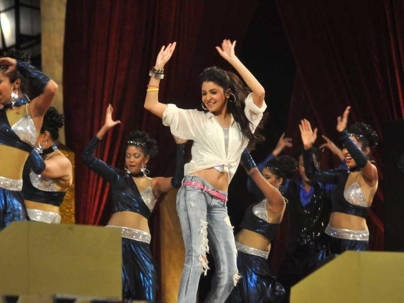 Anushka Sharma performs at the annual awards night of Mumbai police, Umang.