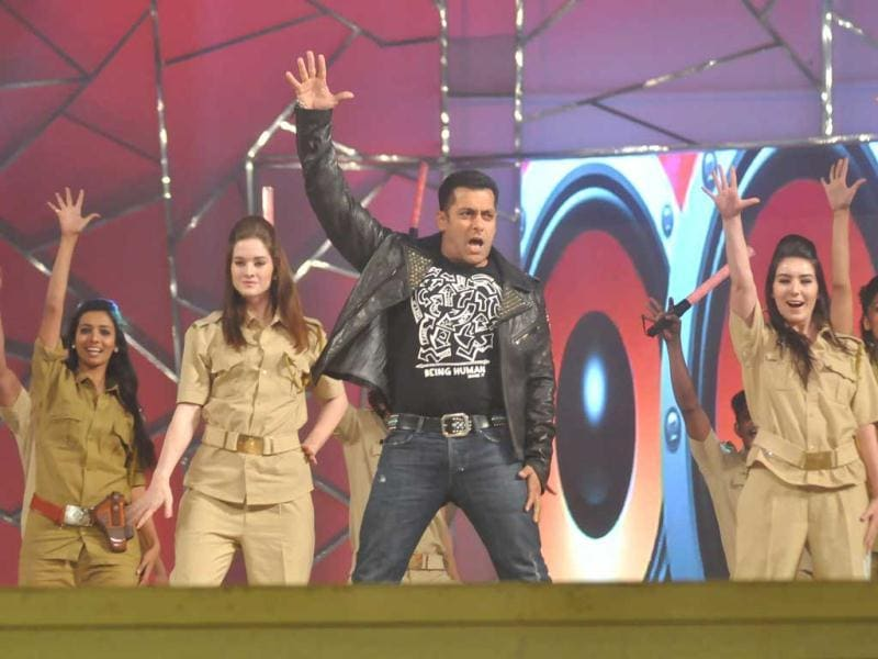 Salman Khan in his Dabangg style during his performance at Umang 2013.