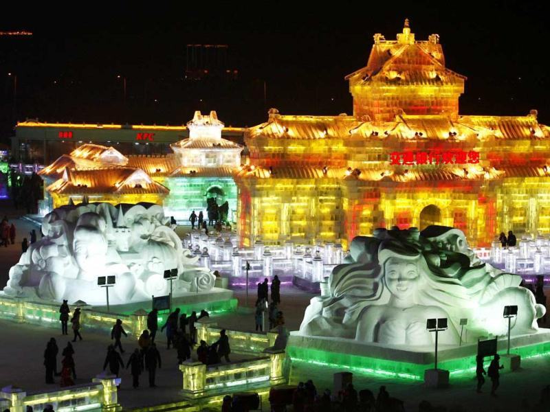 The opening ceremony of the 2013 Harbin International Ice and Snow Festival in Harbin, in northeast China's Heilongjiang province features majestic ice castles and sculptures of fairytale characters equipped with LED lights, bringing a colourful and warm aura to the icy wonderland. (AFP Photo)