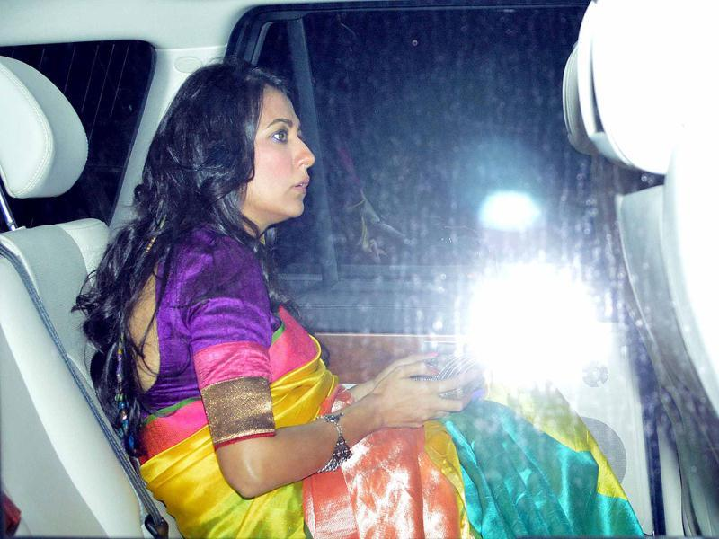 Mini Mathur looked pretty in a bright multi-coloured sari at Shaad Ali's wedding.