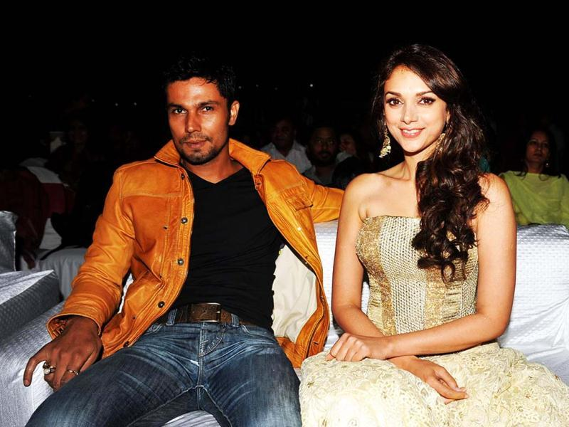 Bollywood actress Aditi Rao Hydari and actor Randeep Hooda pose during a press launch for the forthcoming Hindi film Murder 3 directed by Vishesh Bhatt in Mumbai. (AFP PHOTO)