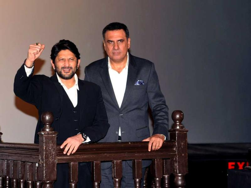 Arshad Warsi (L) and Boman Irani (R) pose at a promotional function for their National Award winning film Jolly L.L.B. directed by Subhash Kapoor. (AFP PHOTO)