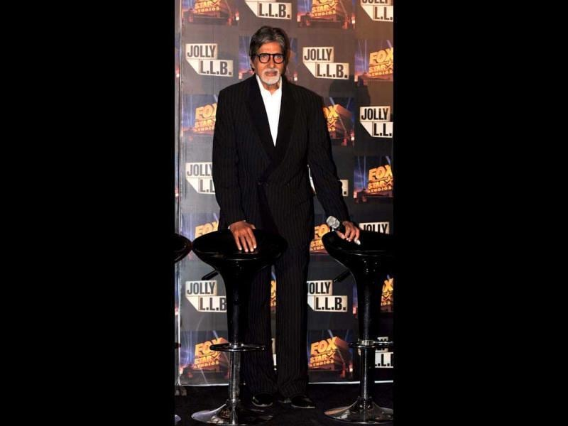 Bollywood actor Amitabh Bachchan poses at a function for Jolly L.L.B. in Mumbai on January 8. (AFP PHOTO)