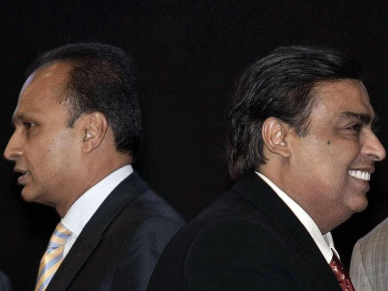 Mukesh Ambani (R), chairman of Reliance Industries, and his brother Anil Ambani, chairman of Reliance Group, at the inauguration ceremony of the Vibrant Gujarat global investor summit at Gandhinagar. Reuters photo
