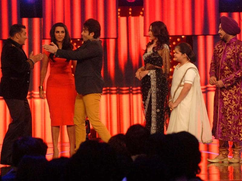 Salman Khan interacts with the cast of Natuanki - an upcoming comedy show- during Bigg Boss 6 grand finale celebrations.
