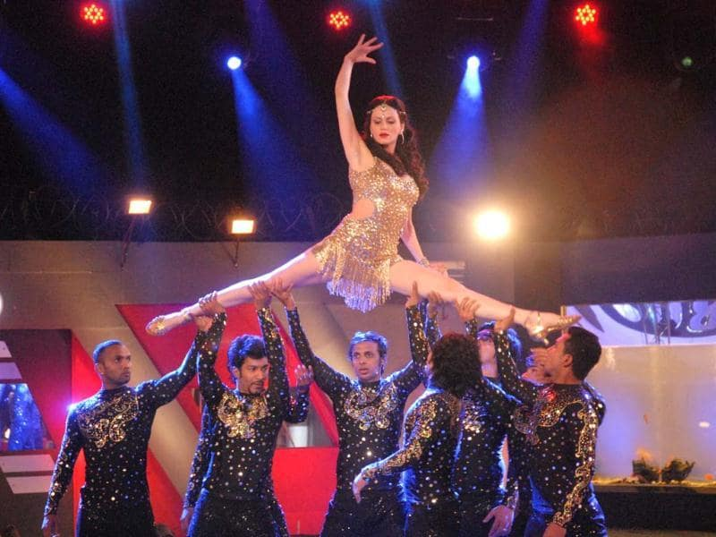 Yana Gupta performs a sizzling number during the grand finale celebrations of Bigg Boss 6.