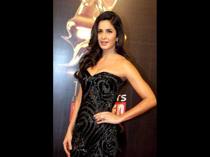 Katrina Kaif stuns in a black off-shoulder gown at the Screen Awards on January 12 in Mumbai. (AFP Photo)