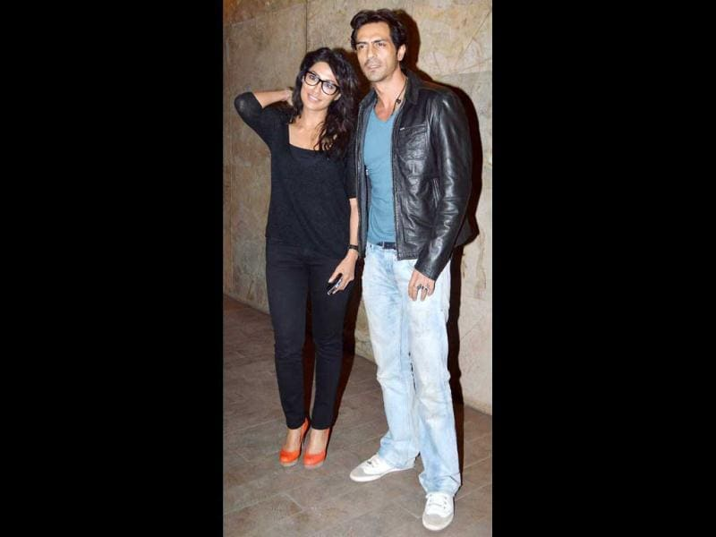 While actor Chitrangda Singh donned a casual look, complete with black rimmed glasses and natural waves, co-star Arjun Rampal was seen in a casual blue T-shirt and pale blue jeans and a black leather jacket.