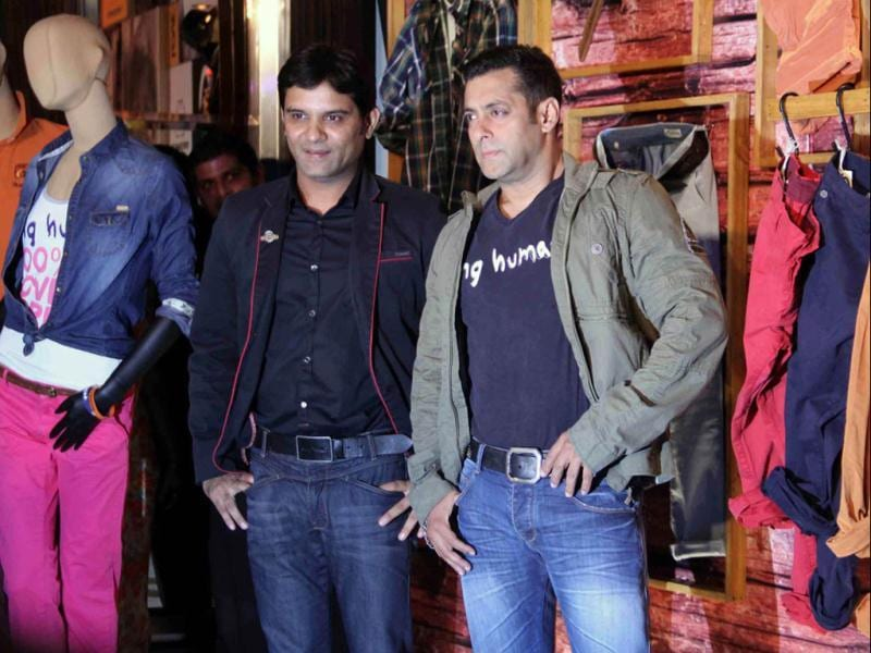 Bollywood actor and brand ambassador Salman Khan along with MD of Mandhana Industries Manish Mandhana during a press conference announcing the launch of the flagship store of apparel brand Being Human, in Mumbai on Thursday. (UNI PHOTO)