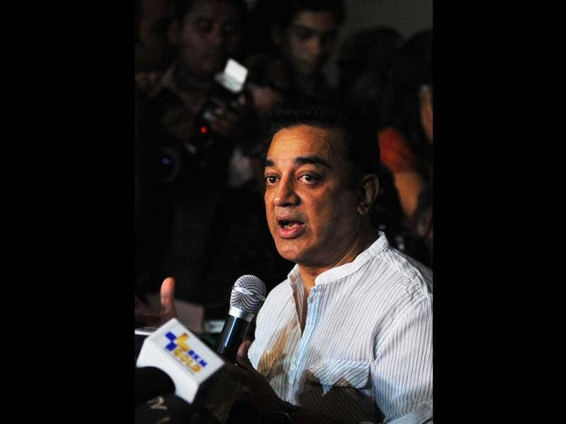 Film actor, producer and director Kamal Haasan looks pensive in this image as he addresses a press conference about the controversy regarding his new film Vishwaroopam in Mumbai on January 31, 2013.  The southern Indian state of Tamil Nadu on Thursday defended its ban on a new film by veteran actor Kamal Haasan. (AFP PHOTO)
