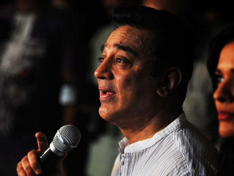 Bollywood film actor, producer and director Kamal Haasan addresses a press conference about the controversy regarding his new film Vishwaroopam. Vishwaroopam was forced out of cinemas after Muslim groups complained that they were portrayed in a negative light, leaving Haasan hurt and sad. (AFP PHOTO)