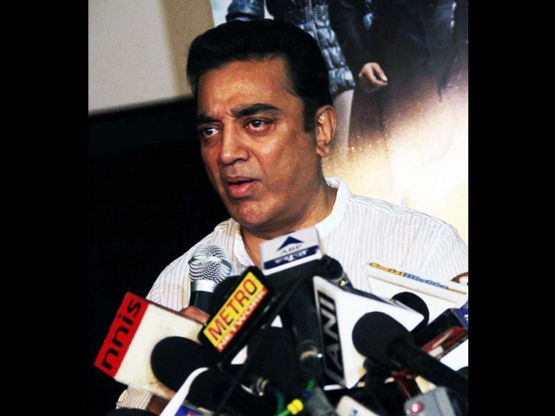 Kamal Haasan addresses a press conference in connection with his films Vishwaroopam, in Mumbai on Thursday. Kamal (UNI PHOTO)