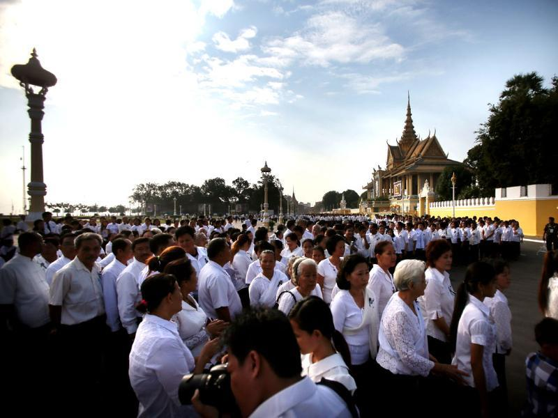 Thousands of mourners gather at the Royal Palace and wait in line to pay their respects to the late former Cambodian King Norodom Sihanouk in Phnom Penh. AP/Wong Maye-E