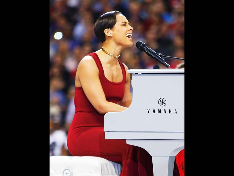 Singer Alicia Keys performs the National Anthem prior to the start of NFL Super Bowl XLVII football game between the San Francisco 49ers and Baltimore Ravens in New Orleans, Louisiana. (Reuters)
