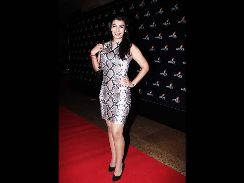 Mink Brar arrives at the 4th anniversary celebrations of Colors in Mumbai. Mink is not looking stunning here.