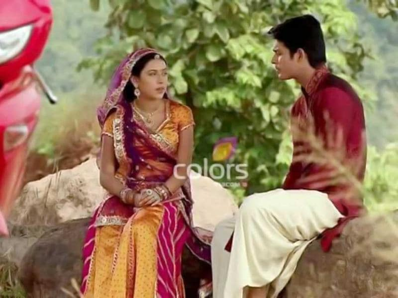 The story that deals with child marriage, has now reached a point where the protagonist Aanandi (Pratyusha Banerjee) has been remarried and rediscovering love. Her scenes with the on-screen husband Shiv (Siddharth Shukla) have created ripples.