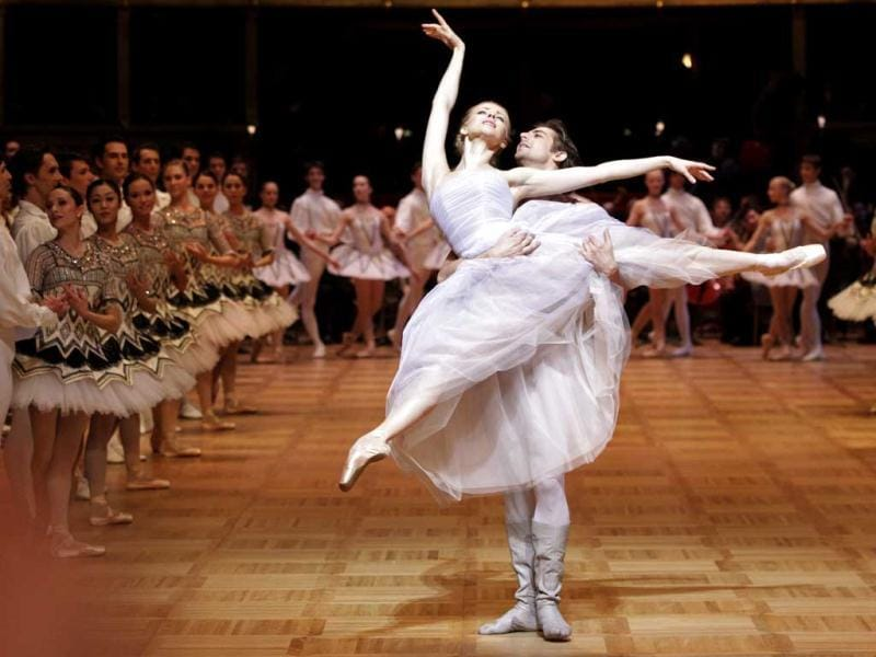 Dancers of the State Opera Ballet perform during a dress rehearsal for the traditional Opera Ball in Vienna. Reuters