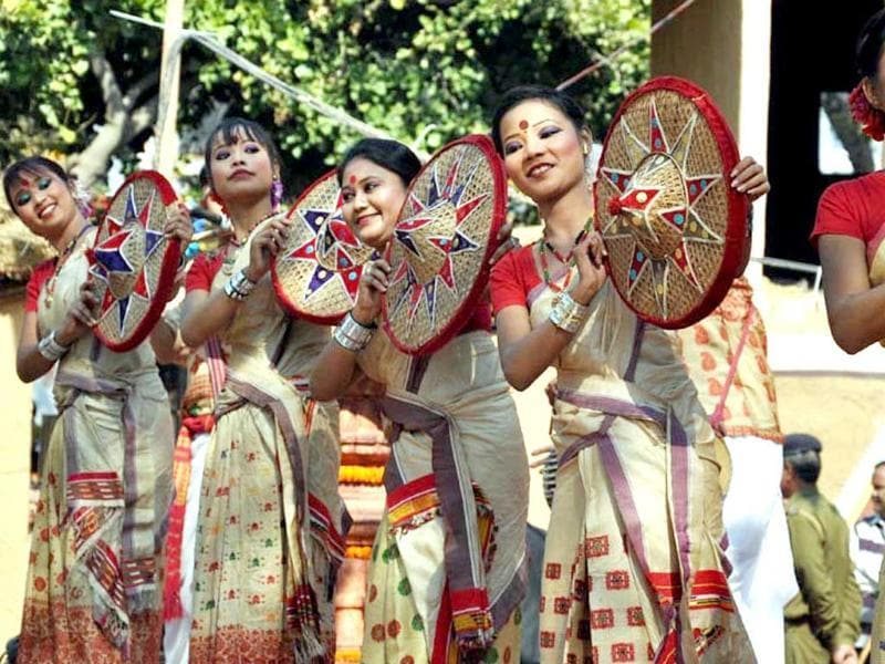 Dancers performing at the ongoing Surajkund International Crafts Mela at Surajkund. Photo: UNI