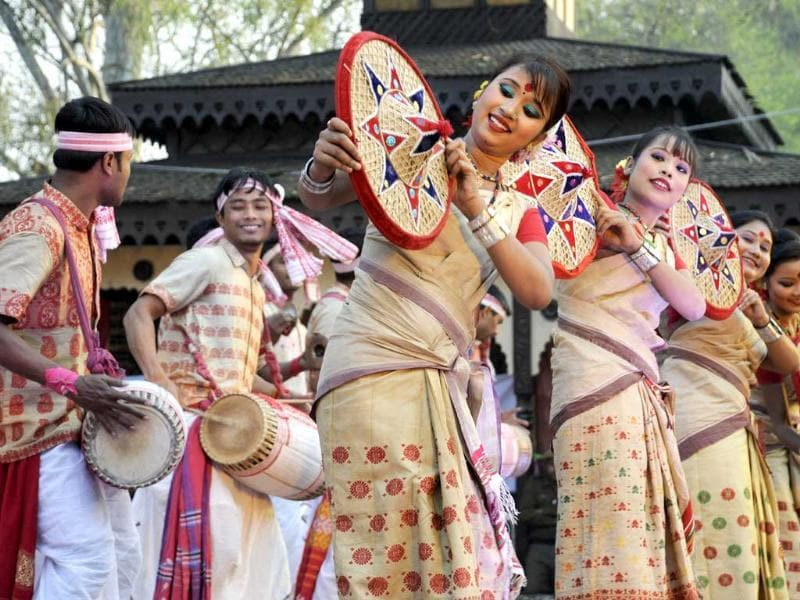 Artist of Assam perform the Bihu dance in 27th Surajkund International Crafts Mela, in Faridabad. Photo: Parveen Kumar/Hindustan Times