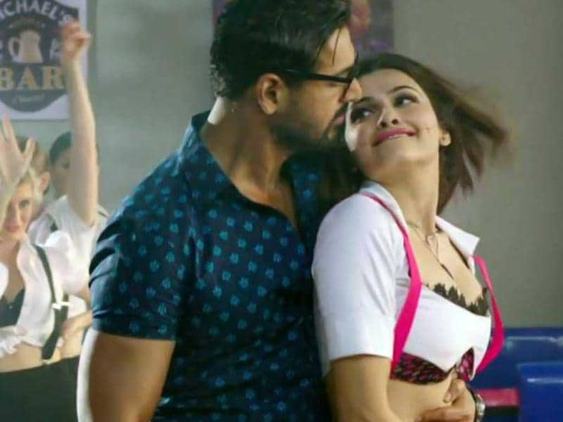 John Abraham and Prachi Desai get naughty during the shoot for a song from their upcoming movie I, Me Aur Main.