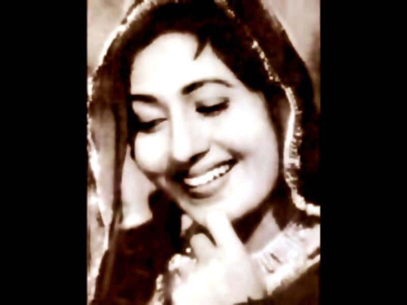 Madhubala, the symbol of timeless beauty. She would have turned 80, had she been alive today. Remembering her grace and charm, we take a look at some beautiful pictures of the original beauty queen.