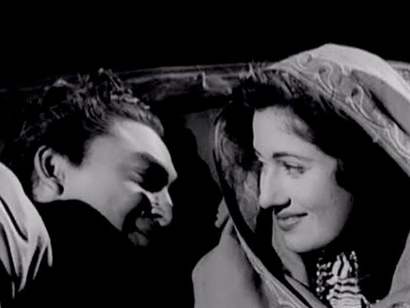 Madhubala and Ashok Kumar worked together in the thriller Mahal. The movie brought Madhubala and her skills to the limelight.