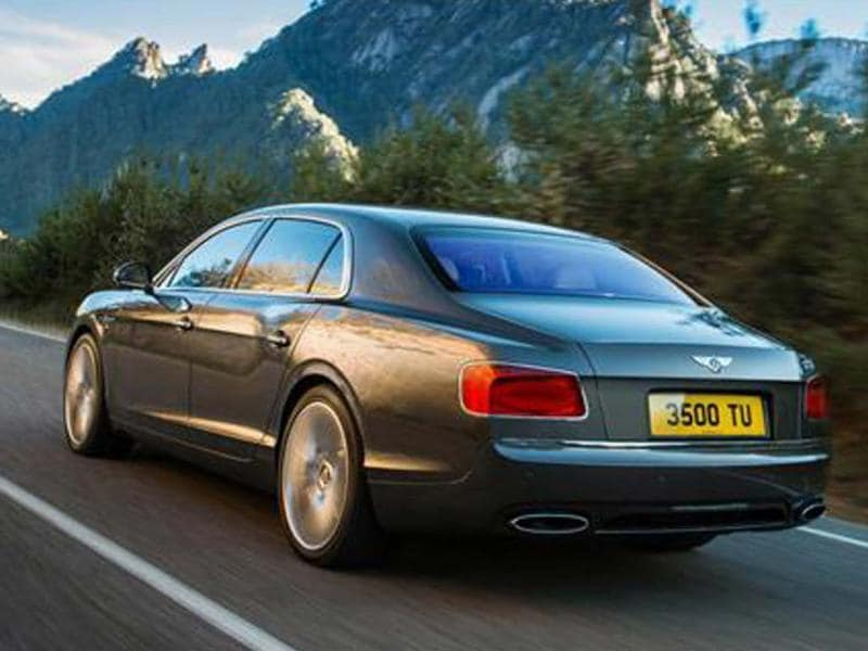 New Bentley Flying Spur leaked
