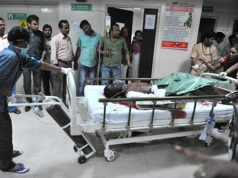 Medical staff treat the injured at the Omini hospital Kothapet after serial blasts rocked Hyderabad. (AFP Photo)