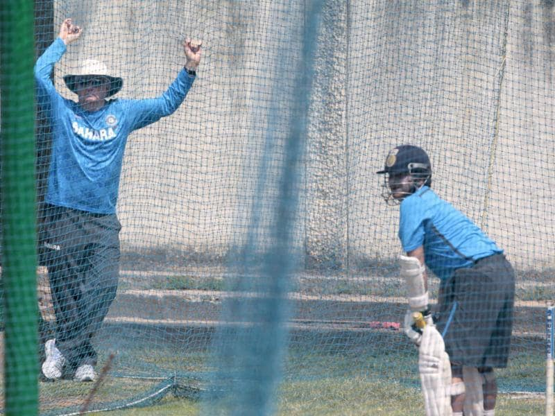 India coach Duncan Fletcher watches Sachin Tendulkar bat during practice session ahead of the first Test match against Australia at Chepock stadium in Chennai. HT photo/Santosh Harhare
