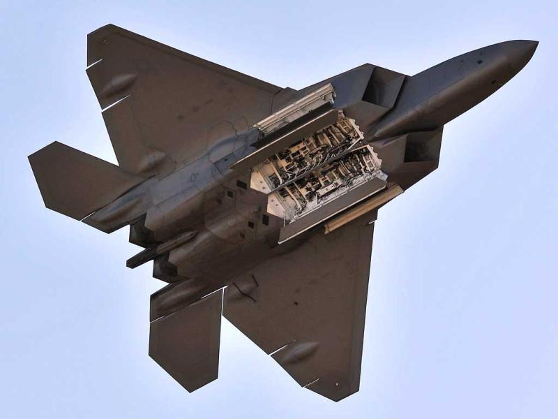 A US Air Force F-22 Raptor performs during the Australian International Airshow in Melbourne. (AFP Photo)