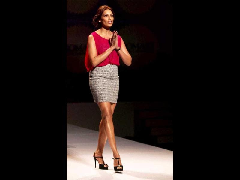 Bipasha Basu greets the audience during the event. (PTI Photo)