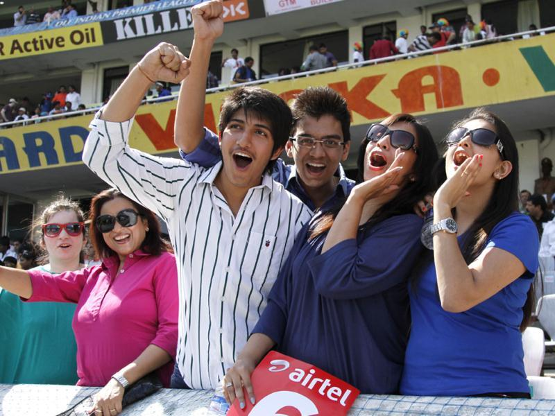 Spectators during the first day of the 2nd Test match between India and Australia at Rajiv Gandhi International Stadium, in Hyderabad. (HT Photo/Subhendu Ghosh)