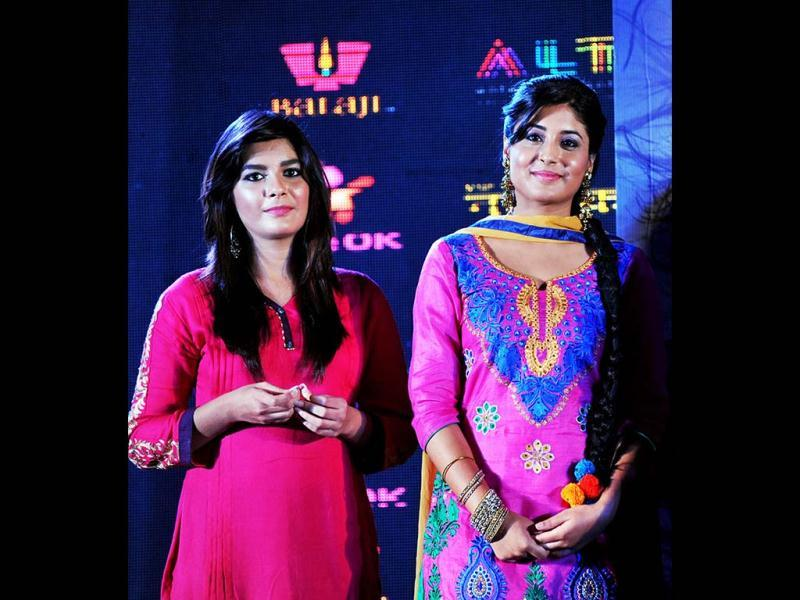 TV actresses Pooja Gor (L) and Kritika Kamra pose during the Life OK launch of the new horror series Ek Thhi Naayaka produced by Ekta Kapoor in Mumbai. (AFP PHOTO)