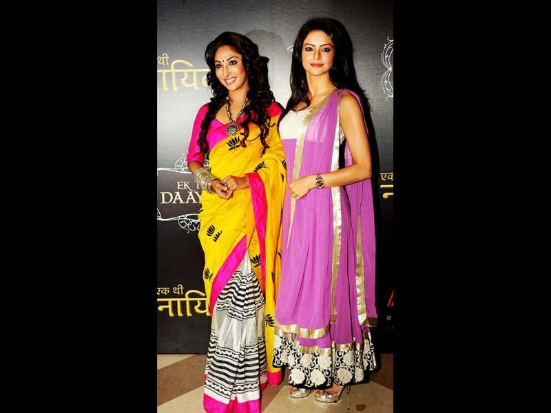 TV stars Mouli Ganguly (L) and Aamna Shariff pose during the Life OK launch of the new horror series Ek Thhi Naayaka produced by Ekta Kapoor. (AFP PHOTO)