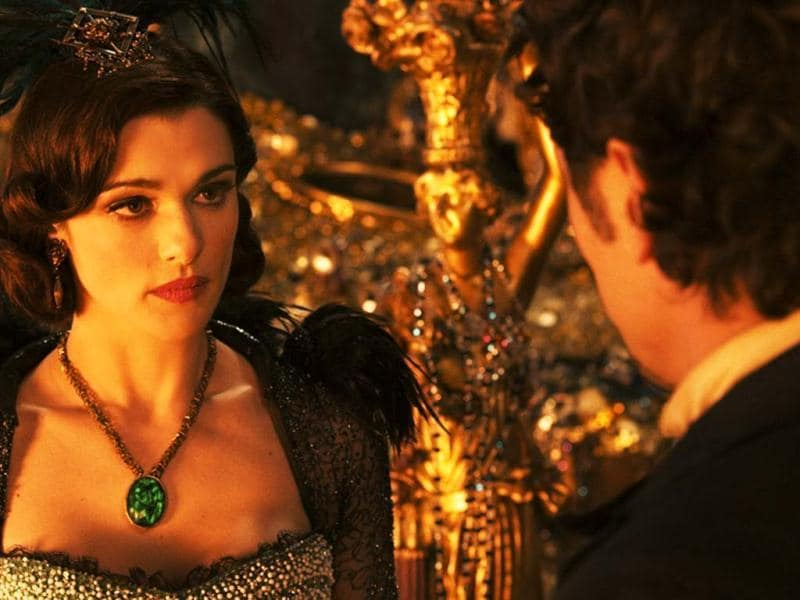 Evanora (Rachel Weisz) and Oz (James Franco) in a still from Oz: The Great and Powerful Wizard.