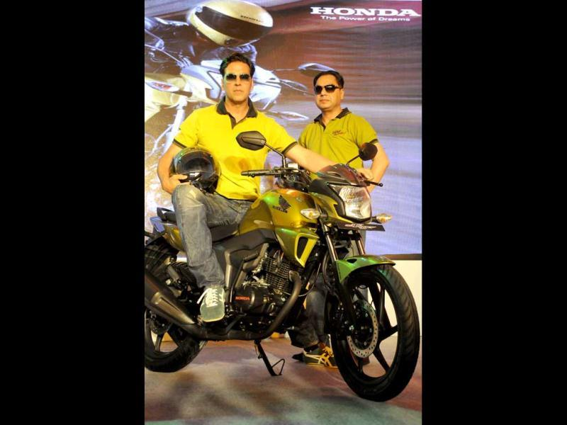 Bollywood actor and Honda brand ambassador Akshay Kumar recently launched a new bike CB Trigger in Gurgaon, on March 11, 2013. Check him out at the event. (Photo by Parveen Kumar/Hindustan Times)